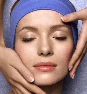 Masaż twarzy nie tylko pobudzi krążenie, ale także zrelaksuje naszą skórę i ciało po ciężkim dniu!