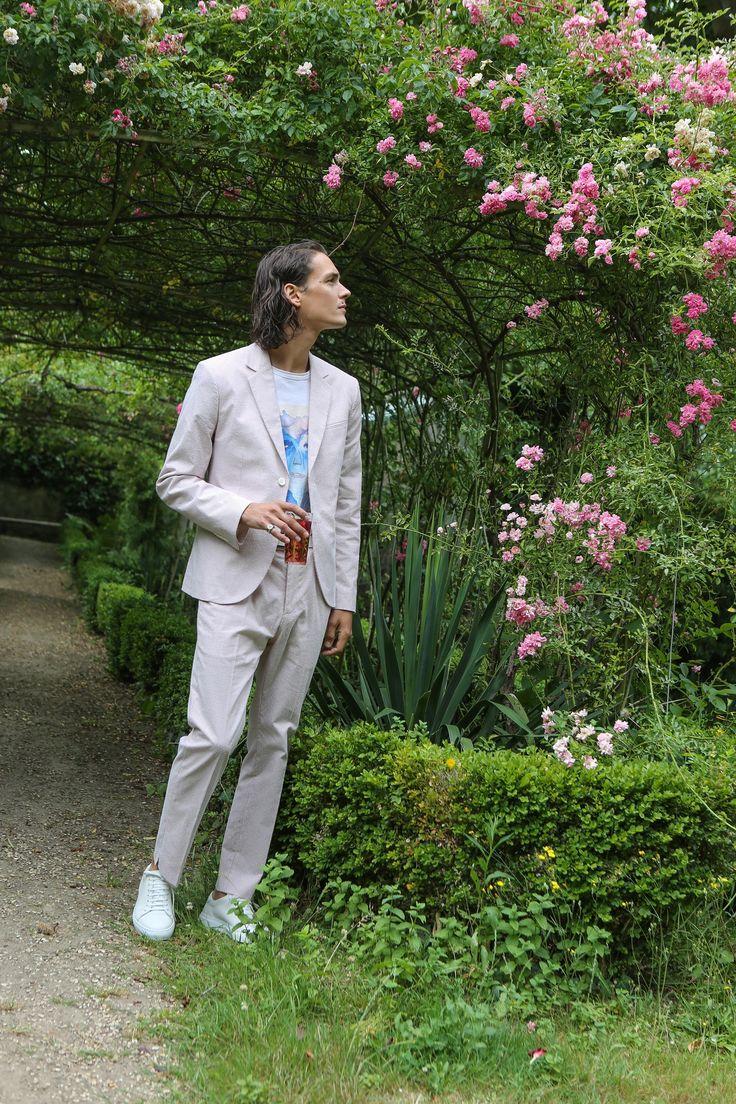 veste et pantalon en coton rayé rose et blanc tee-shirt d'artistes © Henry Hopper