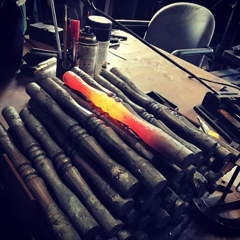 Good morning. Today's forging operation  本日の鍛造作業✨✨前向いて、来るべき時の為に.....#forged #hammering #blacksmith #forge #ironwork #鍛冶屋 #愛媛県 #アイアン手摺#愛だろ愛