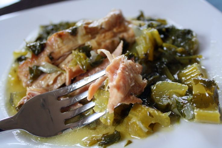 Χοιρινό με πράσα και σέλινο αυγολέμονο ... Pork with leeks, celery, and lemon sauce