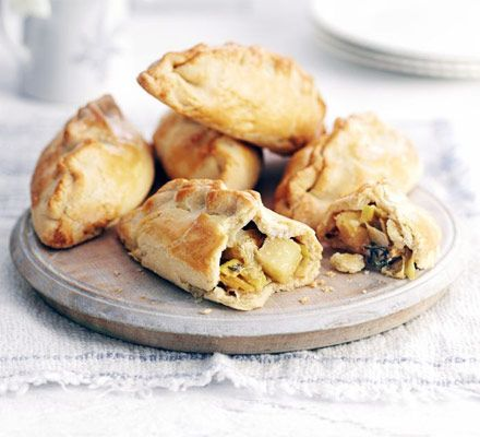 Leek, cheese & potato pasties. Mini veggie pastry parcels with oozing cheese make a great value and comforting homemade snack