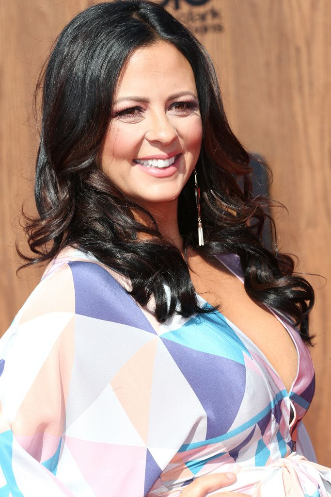 Sara Evans Height, Weight, Age, Spouse, Family, Facts