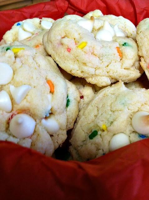 Blogghetti: Funfetti Cheesecake Cookies