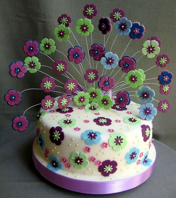 Peacock? cake - flowers on cake too much?...(1415 by Branka Jovanovic, via Flickr)