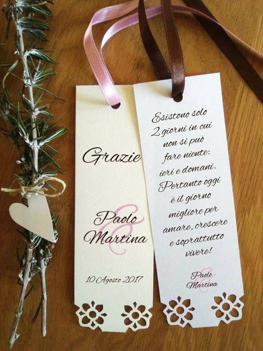 Segnaposto matrimonio ringraziamento con fiori fustellati.