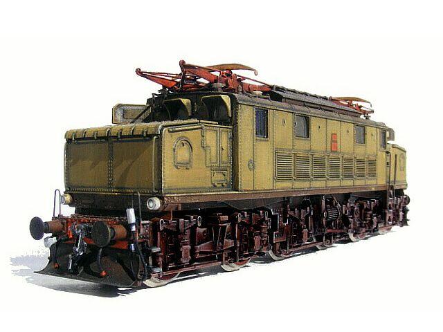 Locomotiva elettrica E 626 delle FS.  Elaborazione dal modello ROCO.