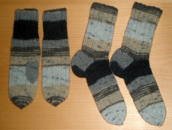 SALE Set of handknitted socks56/3839 and mittens by livucis21, $12.99