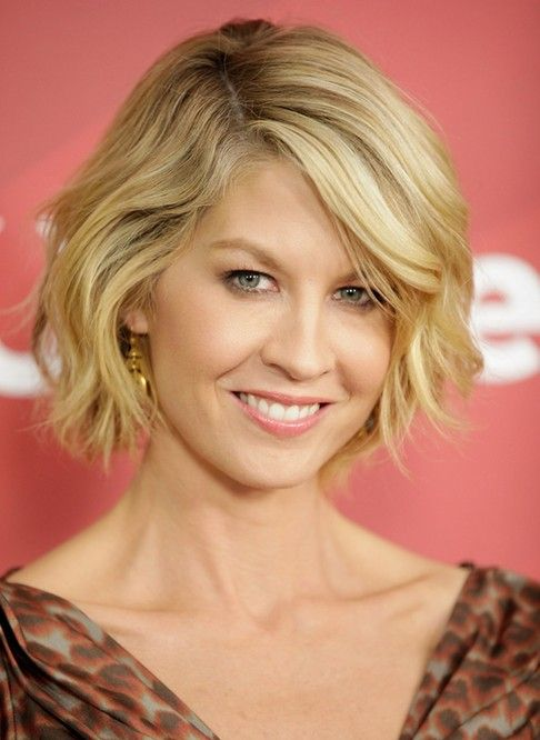 Jenna Elfman hair styles | Jenna Elfman's Short Hairstyles: Blonde Wavy Bob /Source: Getty ...