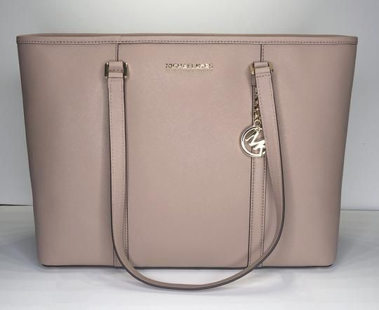 2f65d5ce32af Michael Kors Sady Large Mf Tz Tote Fawn Leather Shoulder Bag. Get one of  the hottest styles of the season! The Michael Kors Sady Large Mf Tz Tote  Fawn ...
