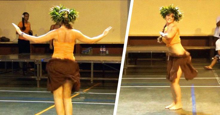 La bailarina de danzas polinesas Moena M a Raiatea es considerada la mejor bailarina del mundo en su género dejando al twerking como un verdadero juego de niñas.