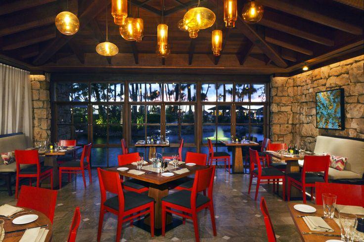 The design of Ruinas del Mar Restaurant pays homage several original Aruban architectural elements.