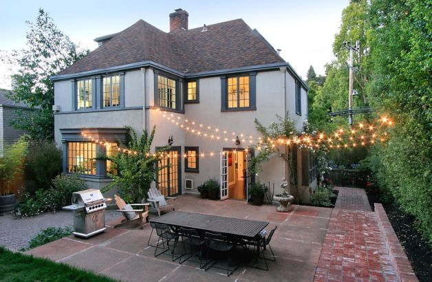 The home at 10 Oak Ridge Road in Berkeley includes five bedrooms and 2.5 bathrooms in addition to a spacious backyard. Photo: Liz Rusby / SF
