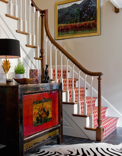 love the jolt of red This is exactly my foyer...think I would love a runner now! And large art on R side looks great!