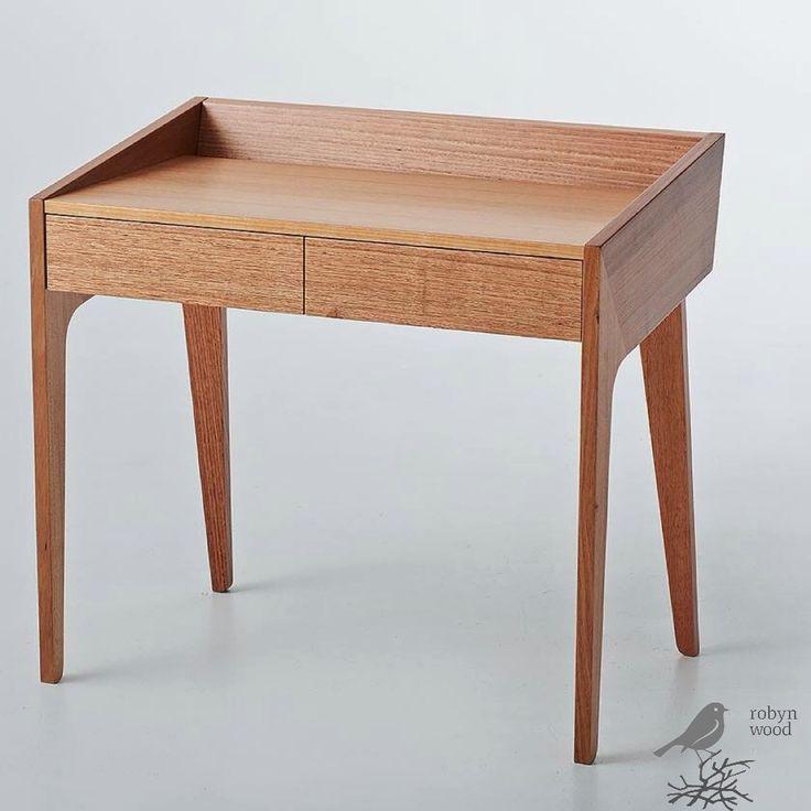 Reflect desk 2013