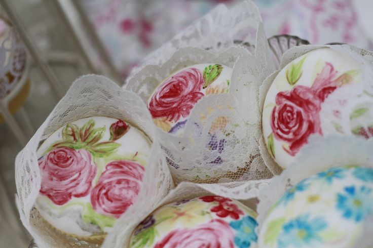 Hand painted cupcakes by Sara's a Kitchen, photography by Capture Photography x
