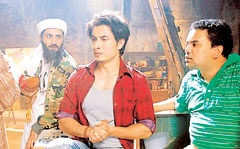 Ali Zafar set for Tere Bin	    	STARBYTES	    	  Ali Zafar, who just won a Dadasaheb Phalke award for best new talent is having a very busy year indeed. Apart from the Chashme Buddoor remake, Ali is set to make a cameo in the sequel to Tere Bin Laden, Tere Bin Laden 3.