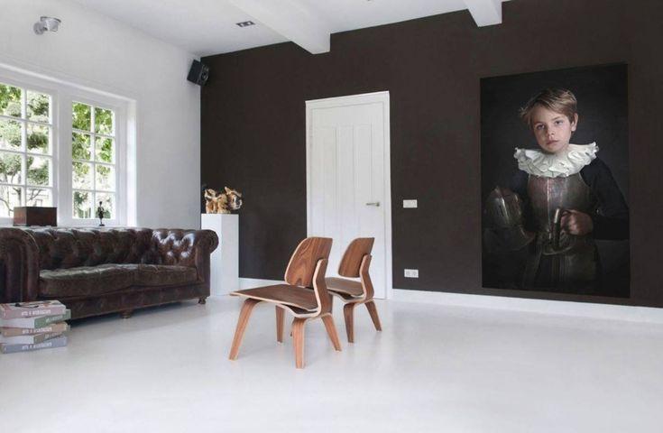 Woonkamer met naadloze witte gietvloer van Motionvloer #interieur #wit #vloer
