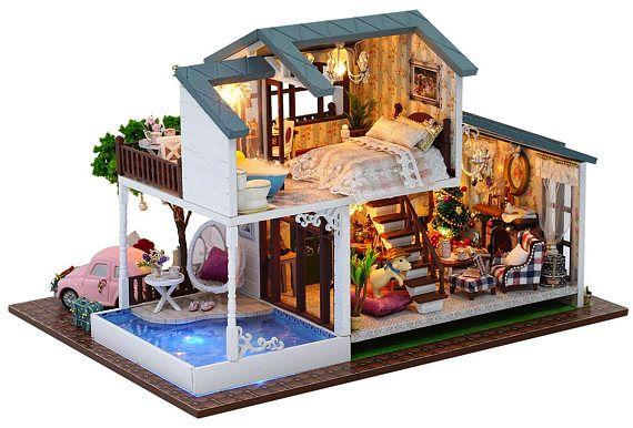 DIY Dollhouse Kit,London Holiday ,Miniature Dollhouse,Home