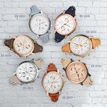 Fossil staat bekend om haar vintage geïnspireerde horloges. De 'Original Boyfriend'-collectie past hier helemaal in thuis. De 38mm horlogekasten hebben een doorlopende leren horlogeband in te gekke kleuren. Inmiddels is de collectie flink uitgebreid en is er voor iedere vrouw een passende kleur. Vooral natuurtinten worden veel gezien in deze collectie en worden gecombineerd met zilver, goud, roségoud of een combinatie hiervan. http://www.kish.nl/Fossil-horloges/