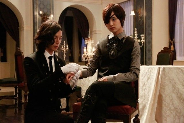 Sebastian Michealis (Hiro Mizushima) and Shiori Genpo (Ayame Goriki) in the 2014 live-action film version of Black Butler