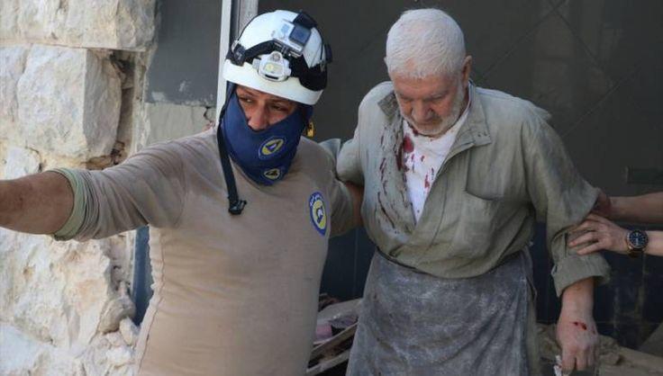 Sepanjang Sabtu rezim Nushairiyah lancarkan 100 serangan udara di Aleppo  ALEPPO (Arrahmah.com) - Rezim Nushairiyah pimpinan Bashar Asad dan sekutunya Rusia telah meluncurkan lebih dari 100 serangan udara pengecut sepanjang Sabtu (9/7/2016) di daerah Al-Mallah di pedesaan Aleppo ujar wartawan lokal.  Wartawan lokal mengatakan jet tempur rezim Asad dan Rusia meluncurkan lebih dari 100 serangan di wilayah yang dikuasai oleh pejuang Suriah selama periode yang tidak melebihi 3 jam memaksa mereka…