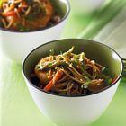Een heerlijk recept: Noedels met garnalen en peultjes