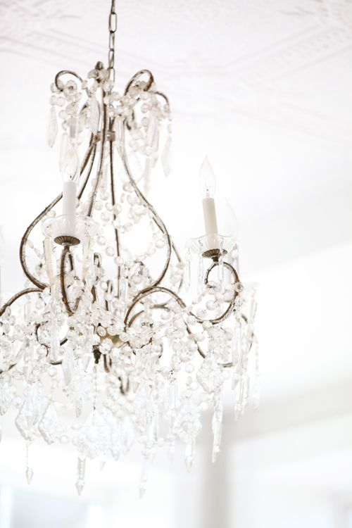 ChandelierLights, Dreamy White, Bedrooms White, Decor Ideas, Dreams, Interiors, Crystals Chandeliers, Ceilings Lamps, White Chand Bedrooms