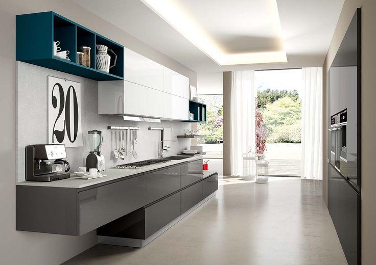 le ante lucide di colore grigio utilizzate in GIGLIO per un risultato elegante
