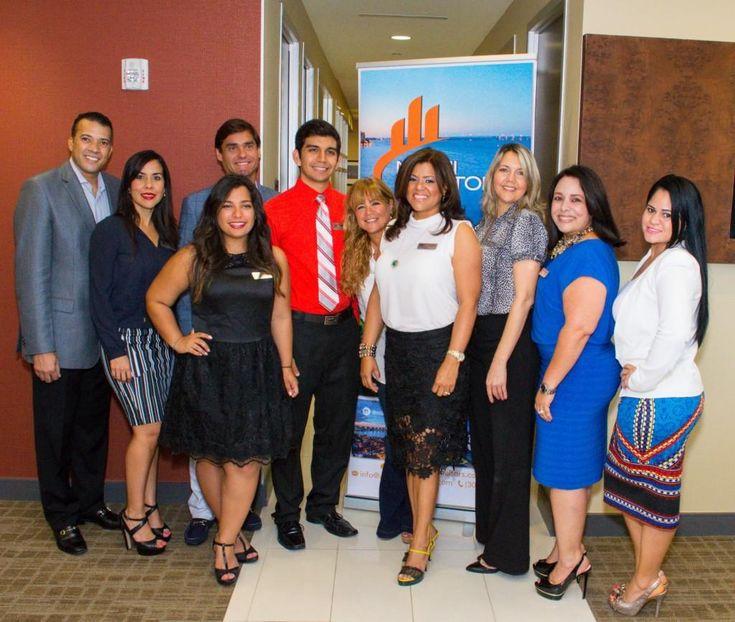 Miami Realtors @usmiamirealtors estrenó sus oficinas en Doral  - http://www.venuemagazine.com/2014/09/11/miami-realtors-estreno-sus-oficinas-en-doral/… pic.twitter.com/1F9si92Dbp