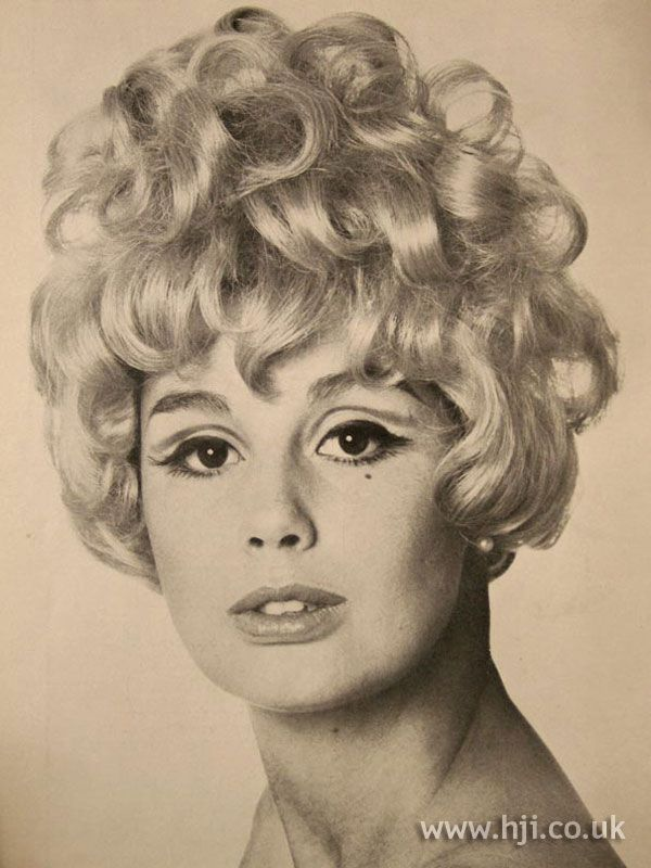 1967 Blonde Curls Hairstyle Hairstyle Gallery