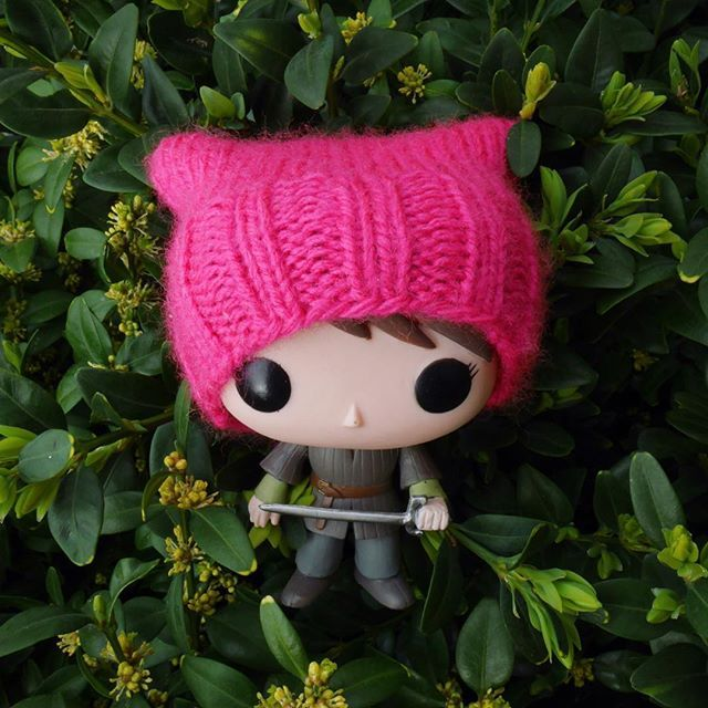 Mini pussy hat knitting pattern for a funko pop figure  . . . . #pussyhat #hat #cathat #cat #knitting #knitter #knittersofinstagram #handmade #craft #ravelry #funko #funkopop #gameofthrones #arya #stark #aryastark #feminism #feminist #pink #pattern #freepattern #blogger #blog #newblogpost #making #fo #nerd #toy #figure #cute