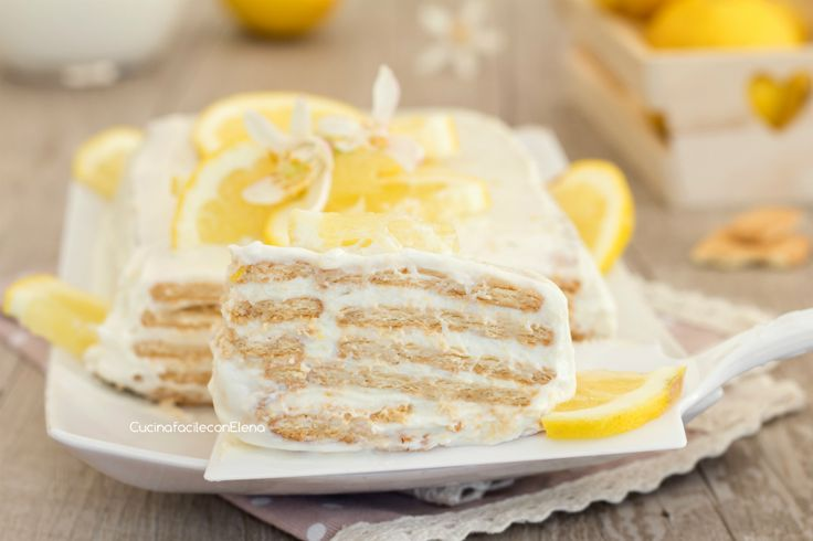 La mattonella fredda al limone di biscotti è un dolce senza cottura velocissimo, cremoso, delizioso e profumatissimo, si prepara in 5 minuti!