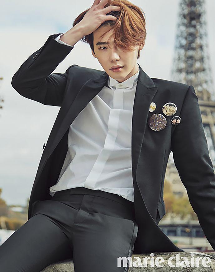 Lee Jong Suk fait du tourisme à Paris pour Marie Claire