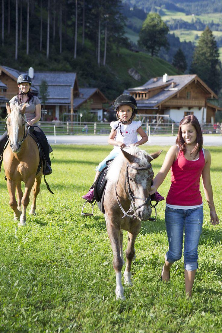 Kostenloses Reiten für Kinder // Riding free of charge for children
