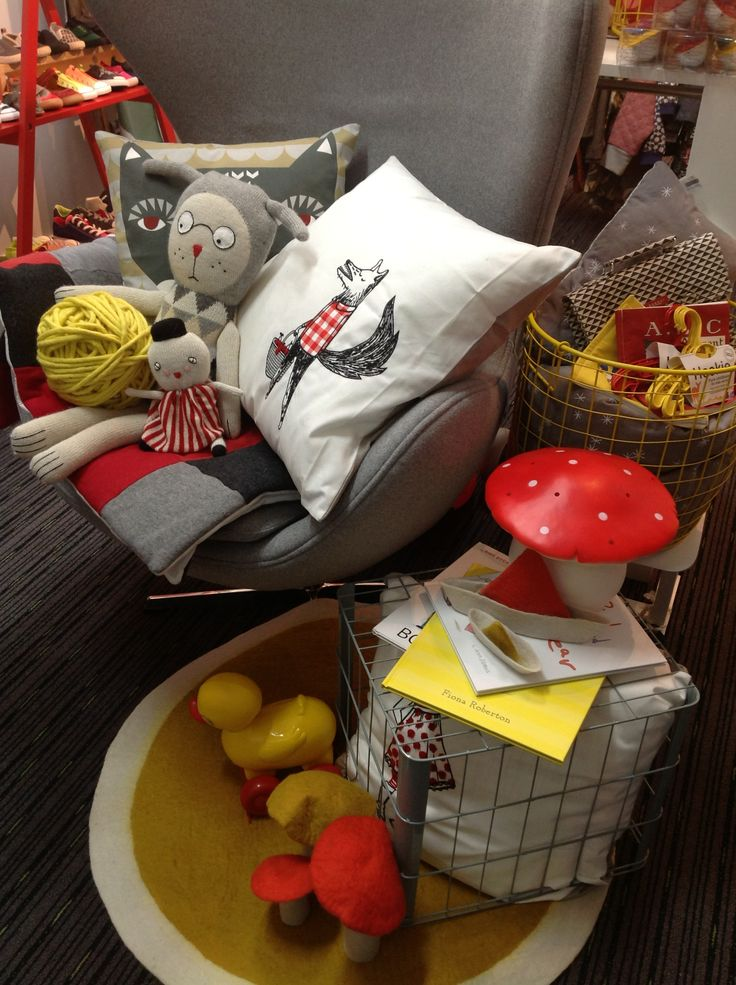 More felt from Muskhane and wire from Down to the woods, beautiful cushions from La Cerise sur le gateau, Donna Wilson and toys from LuckyBoySunday