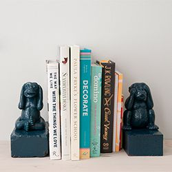 Super customizable and really chic homemade bookends.