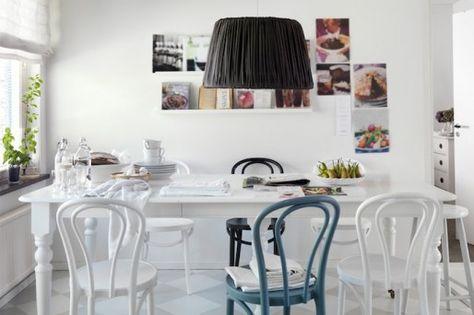 lampa och stolar