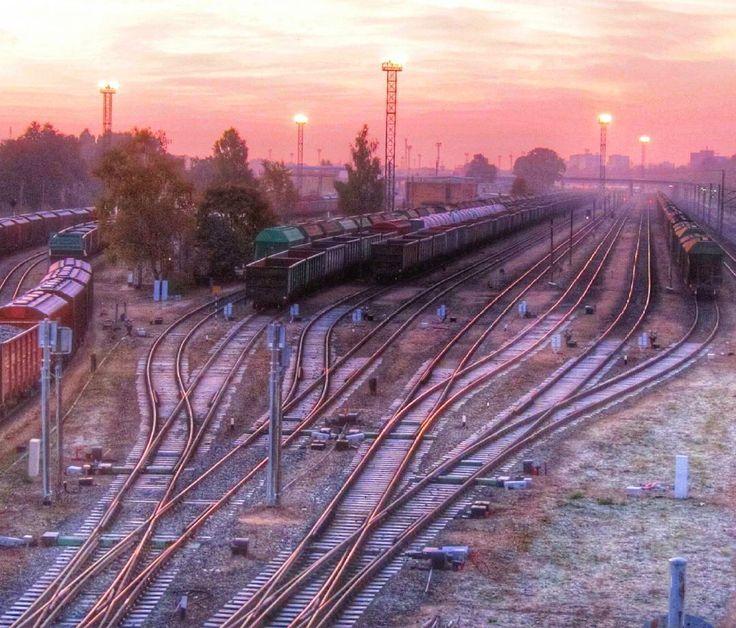 #saullēkts #sliedes #vagoni #dzelzceļš #Rīga #redzi_Latviju #Latvijasskati #igersLatvija by zoom_ing