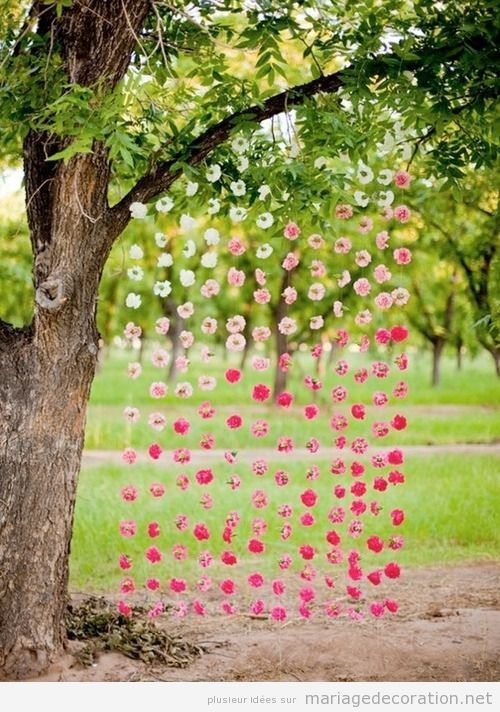idées déco mariage pas cher au jardin, rideau en fleurs