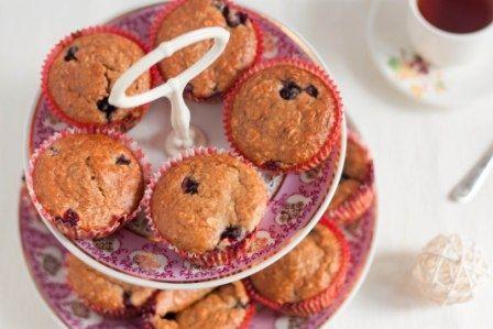 Превосходные маффины - нежные, в меру сладкие, с приятной ягодной кислинкой!   vegelicacy.com - вегетарианские рецепты