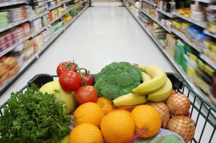 How much should you pay for groceries? Includes a chart based on the number of people in your family, plus tons of tips on how to save money on groceries. You can save HALF on your grocery bill...without clipping any coupons!