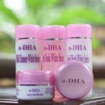 ADHA White Series merupakan paket perawatan wajah terlengkap dengan kandungan alami serta formula yang melembutkan di kulit.