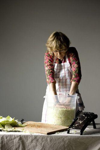 bucketlist - make sauerkraut: 3 quarts water  13½ tablespoons coarse kosher salt, fine sea salt or pickling salt (divided; see note)  12 pounds green cabbage (3 or 4 medium heads)