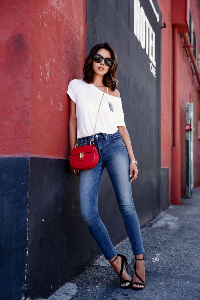 high waist jeand with white top