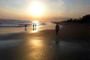 Bali Surf Guide: Echo Beach Canggu Surf Spots One of the attractio...