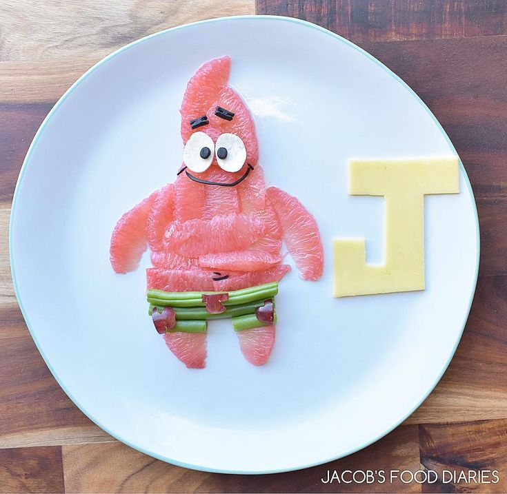 PATRICK from SPONGEBOB SQUAREPANTS (Pink grapefruit, grapes, green beans and cheese) by JACOB'S FOOD DIARIES (@jacobs_food_diaries)