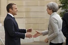 Macron y May acuerdan estrechar el cerco a la propaganda yihadista El presidente de Francia, Emmanuel Macron, y la primera ministra británica, Theresa May,