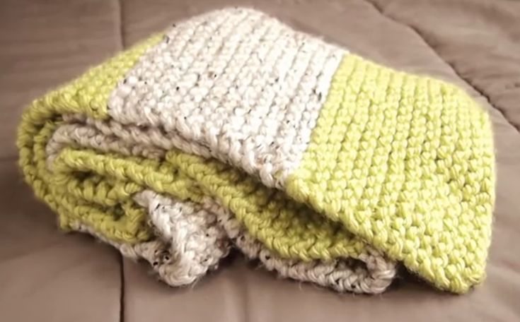 Grab your knitting needles and get started on this great knit scarf for beginners. Great tutorial.