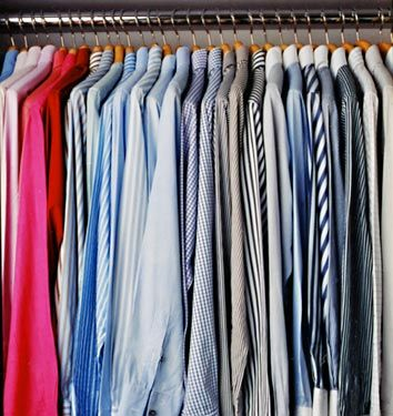 Good Life of Design: Color Coding Will Help Keep Your Closet Organized!