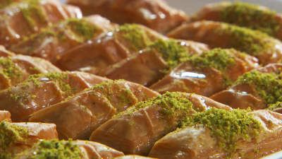 Authentic Turkish Baklava Pastry or Dessert – Best Baklava Online – Handmade in USA – Superior Hygiene & Quality Control – Top Grade Nuts